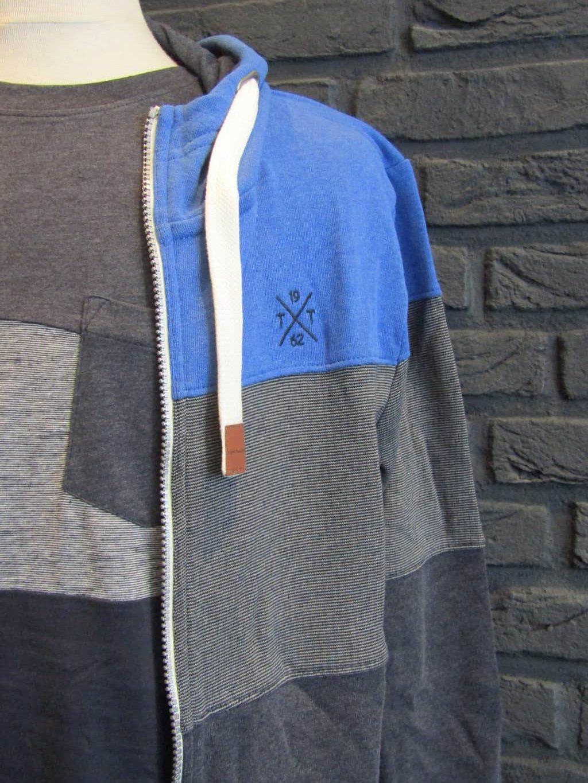 vest € 59,99 - t-shirt € 19,99